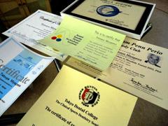 歯科技工士の様々な資格証明書